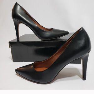 Gorgeous black pumps NWT  comfortable heels